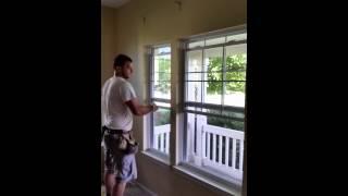 Silny polak demontuje okna w USA