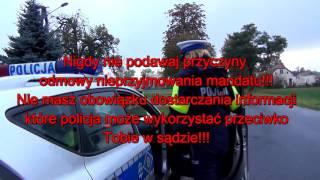 Policja daje mandat za jazdę zgodnie z przepisami..