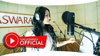 Video Siti Badriah - Melanggar Hukum (Official Music Video NAGASWARA) #music MP3, 3GP, MP4, WEBM, AVI, FLV September 2018