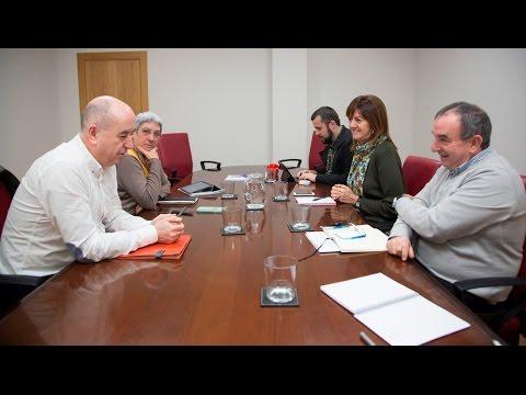 Reunión de trabajo de Idoia Mendia con UGT y CCOO [2016.01.21]