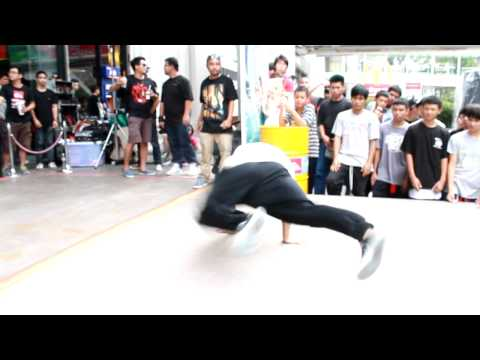 Bboy Cheno l Quiksilver Thailand Surf Competition 2012 l Judge Showcase