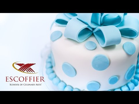 Decorating A Cake With Fondant