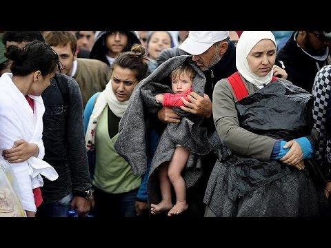 Σκόπια: Εικόνες ντροπής- Βία υπό βροχή κατά των προσφύγων