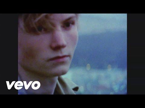 Ulrik Munther - San Francisco Says Hello lyrics