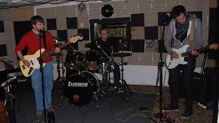 Video 220 Voltov v Rádiu Bunker