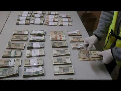 Wideo1: Zniknęło ponad pół miliona złotych. Pracownica okradała bank