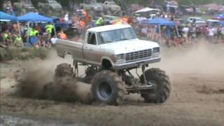 The Mega Truck Mudweiser  in freestyle