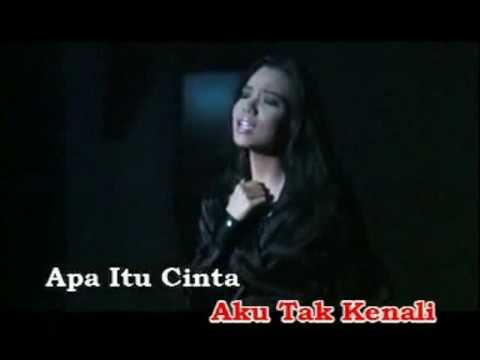 Download Video Bertakhta Di Hati