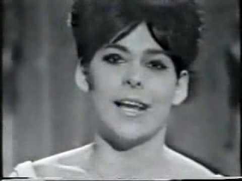 Tekst piosenki Ulla Pia - Stop, mens legen er go ( Eurovision 1966 ) po polsku