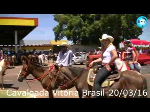 Vitória Brasil realiza cavalgada neste domingo com muita animação, confira o vídeo e as fotos.