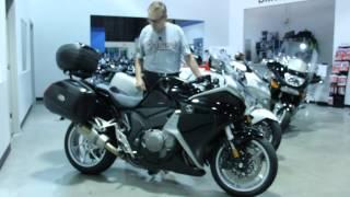 4. U081542 2013 Honda VFR1200F