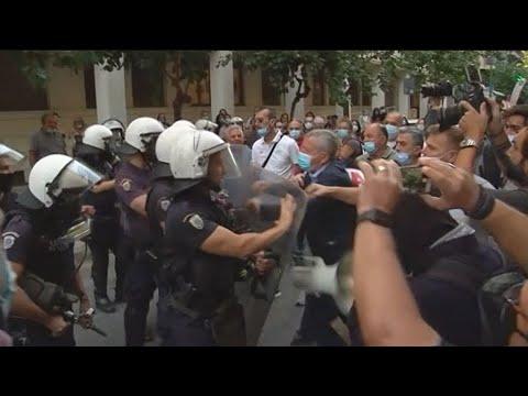 Ένταση σημειώθηκε στη συγκέντρωση διαμαρτυρίας της ΠΟΕΔΗΝ