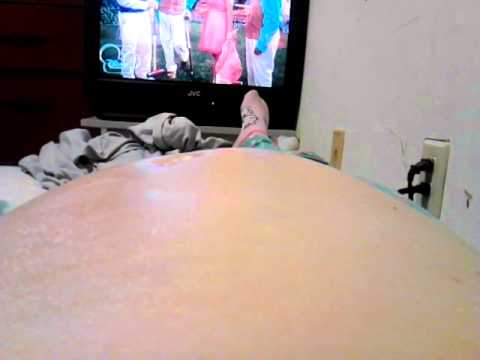 Bryleigh Alexis moving in belly 8 months pregnant