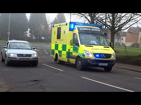 2x Ambulances Responding - Day & Night [1080p, 60fps]