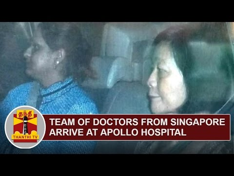 Team-of-Doctors-from-Singapore-arrive-at-Apollo-Hospital-to-give-Physiotherapy-Treatment
