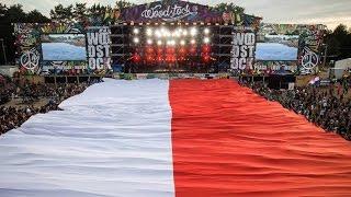Hymn i wielka polska flaga na Woodstocku.