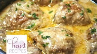 How To Make Southern Smothered Chicken With Gravy - I Heart Recipes