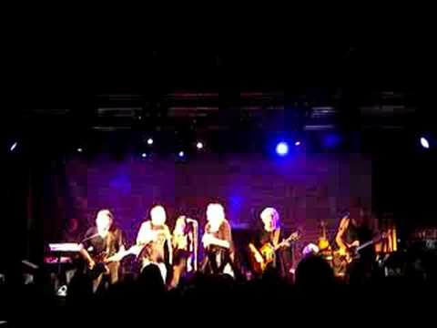 Jefferson Starship at The Picturedrome, Holmfirth. Volunteers