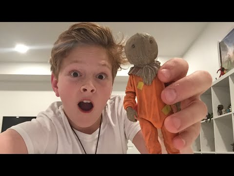 sam trick or treat unboxing from neca!