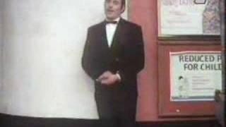 Monty Python - Skecz O Gangu Staruszek