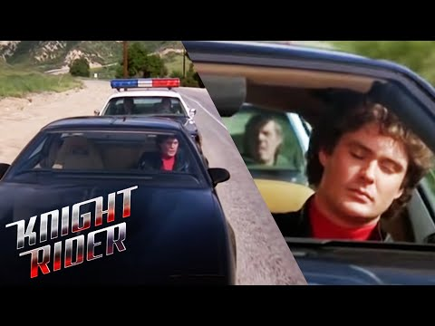K.I.T.T. Helps Michael Get Rid Of The Cops | Knight Rider