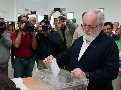 Miguel Arias Cañete, vota en Jerez de la Frontera el 25M
