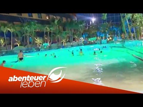 Wasserrutschen, Wellenbad und Wellness: Die Therme Er ...