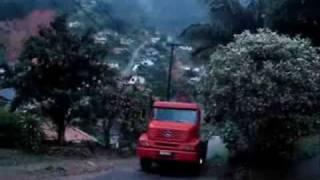 Meu Primo Odair Subindo O Morro Com O Seu Caminhão Mercedes Benz 1620.wmv