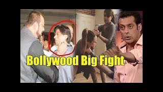 Video Top 5 Biggest Star war of Bollywood I Amir Khan I Shahrukh Khan I Salman khan MP3, 3GP, MP4, WEBM, AVI, FLV Agustus 2018