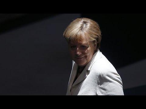 ΝΑΤΟ: Υπέρ του διαλόγου με τη Μόσχα αλλά και των αποτρεπτικών μέτρων τάσσεται η Μέρκελ