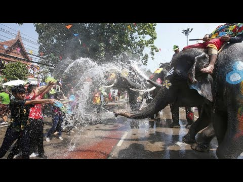 """Buddhistisches Neujahrsfest """"Songkran"""": Wasserfestiva ..."""