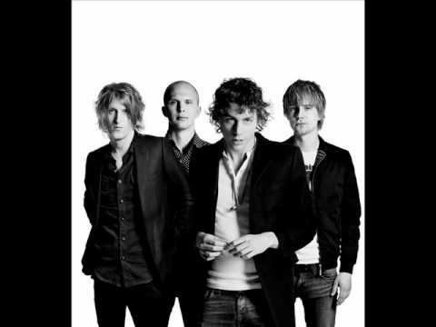 Tekst piosenki Razorlight - 60 Thompson po polsku