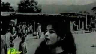 Video YouTube - Yaad Karoon Tujhe Sham Savere (Mousiqar) Madam Noor Jehan_2.flv MP3, 3GP, MP4, WEBM, AVI, FLV Juli 2018