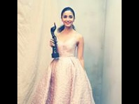Alia & Others Sizzle The Filmfare Award Night |