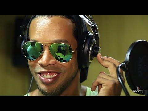 Ronaldinho'dan Dünya Kupası İçin Şarkı