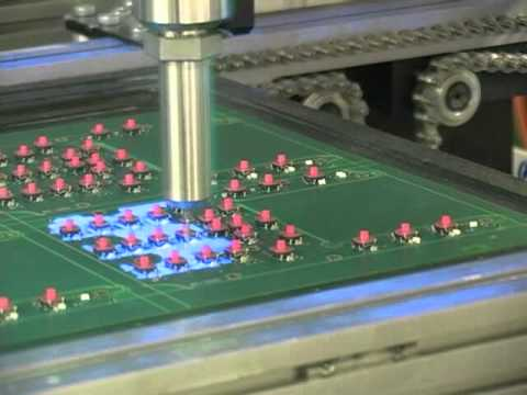 UV conformal coating - Exemple of accurate conformal coating on electronic board with special USI head : Microline.