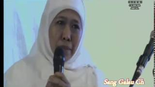 Download Video Khofifah ( Mensos ) Vs Gus Ipul ; Dua testimoni kewalian Gus Dur oleh Cagub Jatim MP3 3GP MP4