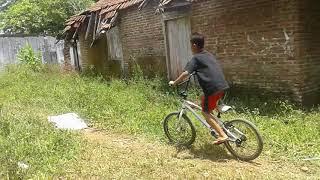 Gas trek sepeda ontel di sirkuit cepogo ringin(2)