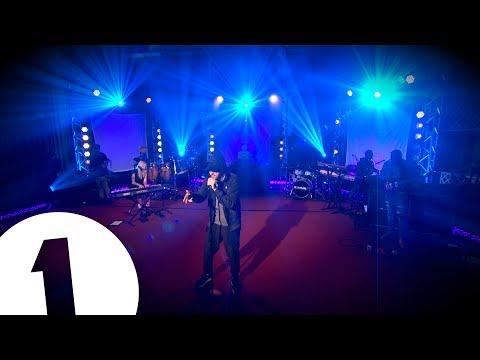 Eminem выступил на BBC Radio 1