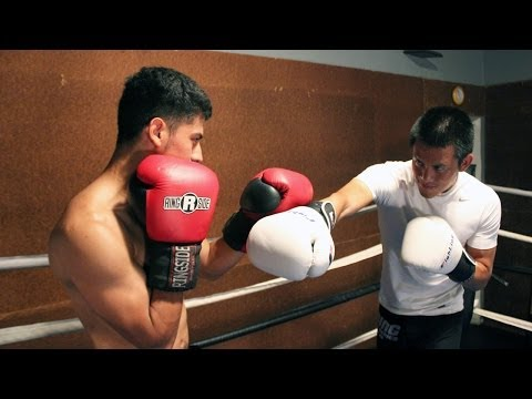 Parry'' - http://www.expertboxing.com - for more FREE BOXING TIPS! http://www.howtoboxin10days.com - Learn HOW TO BOX in 10 Days http://www.advancedboxingworkshop.com ...