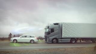 See how Collision Warning with Emergency Brake works in action when an emergency occurs. The demonstration was carried out by professionals in a closed off area. Learn more: https://www.youtube.com/watch?v=dqNtzncxxcI
