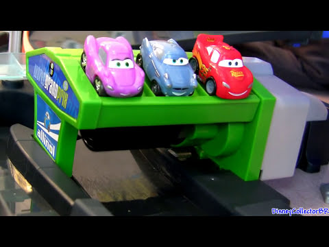 Cars 2 Motorized Super Speedway Micro-Drifters Track Disney Pixar Mattel Launcher