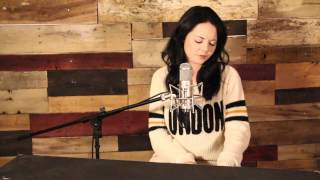 Holy Spirit / Set a Fire (Bryan & Katie Torwalt/Will Reagan & United Pursuit) cover by Sarah Reeves - YouTube