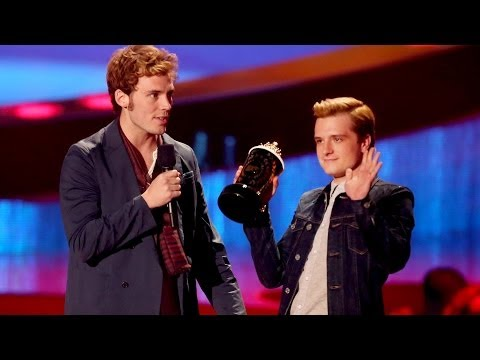 Awards - Conan's Star Filled Opening ▻▻ http://bit.ly/1kWMB4H More Celebrity News ▻▻ http://bit.ly/SubClevverNews The Hunger Games: Catching Fire takes over the MTV M...