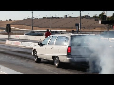 0 Shamu at the Strip: Big Muscle Drag Races a Chevy Caprice Wagon [Video]