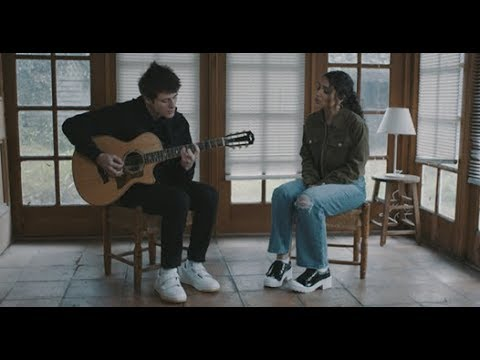 Alec Benjamin - Let Me Down Slowly (feat. Alessia Cara) [Acoustic Video] - Thời lượng: 2 phút, 57 giây.