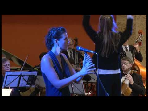 Nana Schwartzlose sings Hero live