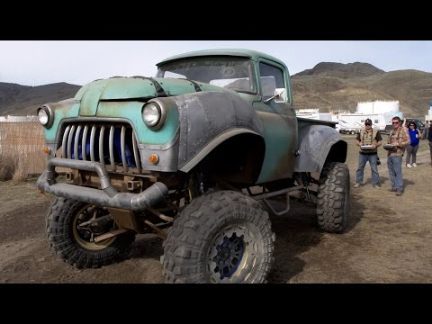 Monster Trucks (Behind the Scenes)