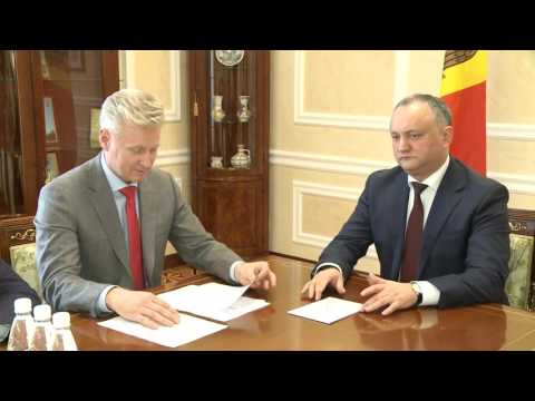 Moldovan president appoints to office ten judges of 15 put up