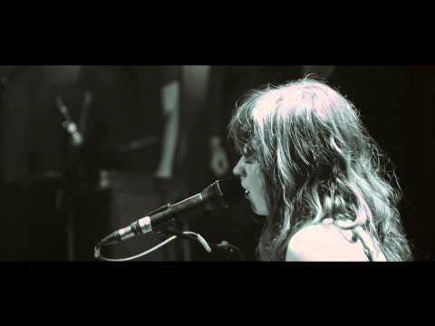 Tekst piosenki Gabrielle Aplin - A while po polsku